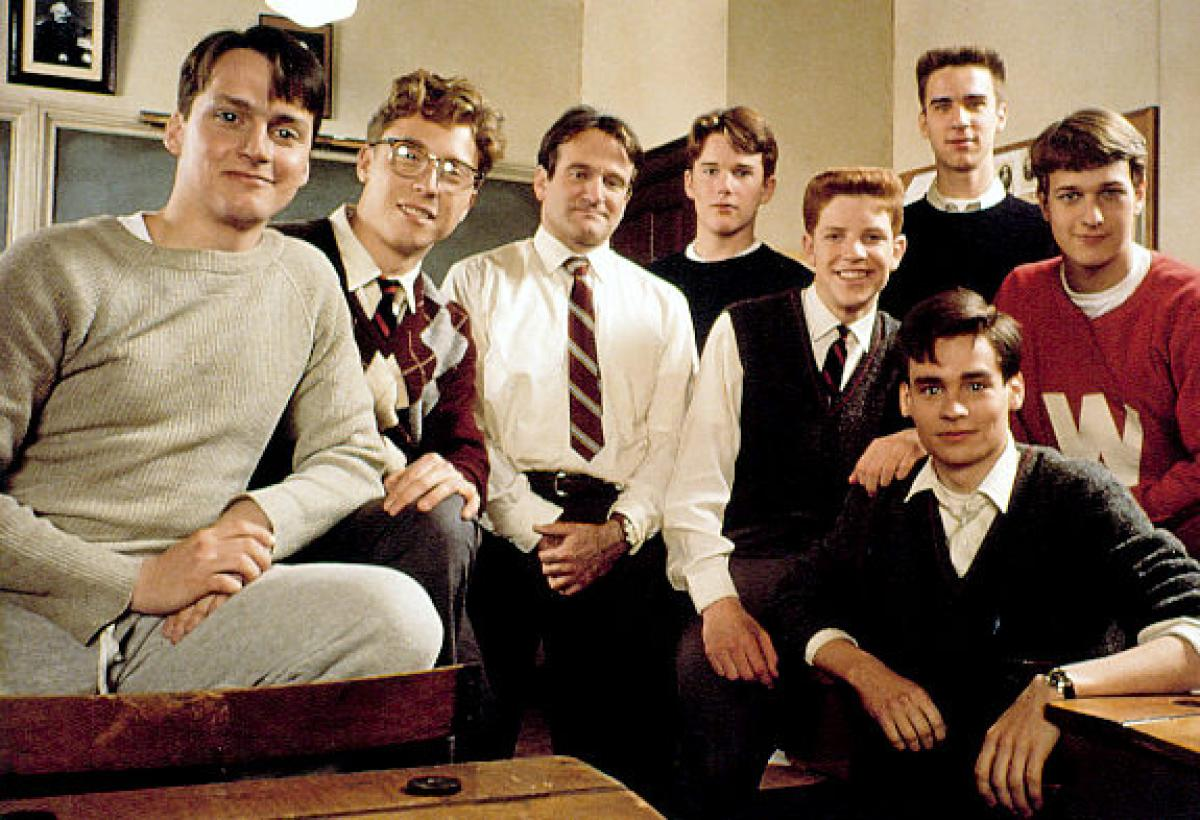 who is the protagonist in dead poets society